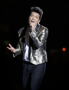 Super-Bowl-XLVIII-Bruno-Mars-and-Red-Hot-Chili-Peppers-rock-halftime_2_1