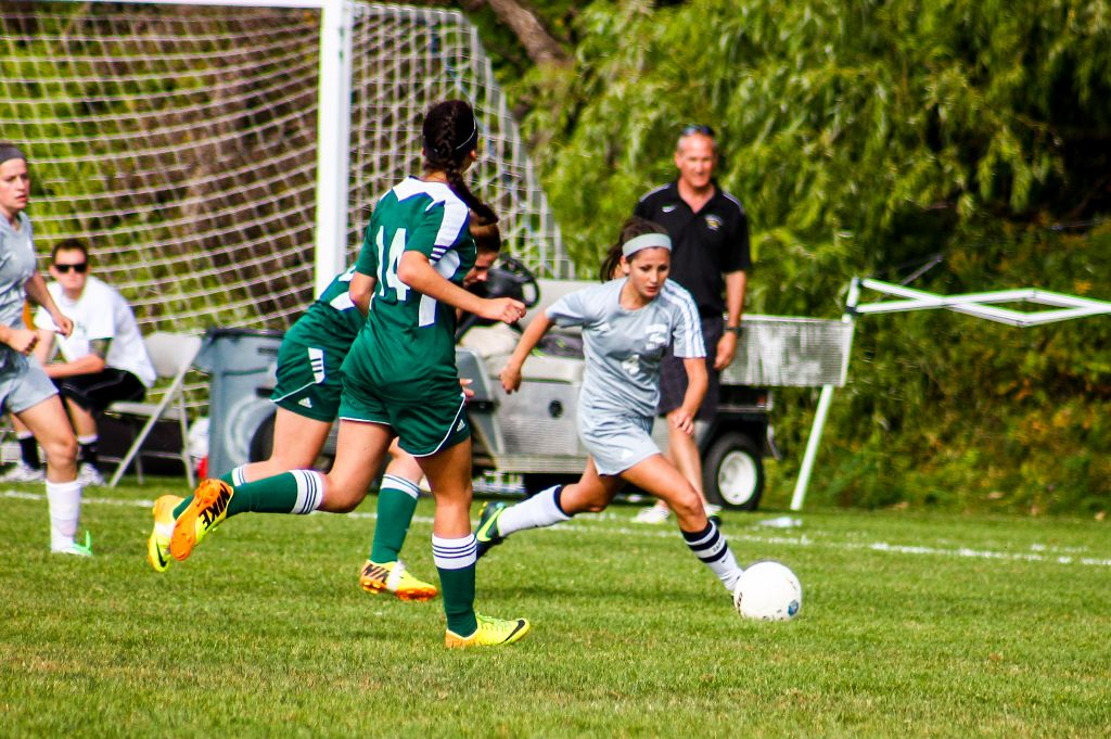 Undefeated Women's Soccer Shuts Out 6th Ranked Mohawk